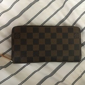 Louis Vuitton Zippy Wallet Damier Ebene SD0140
